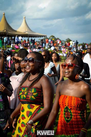 Blankets and Wine as a favourite of Nairobi's beautiful life when it was all the rage. (ItsJustKing'oriBlog)
