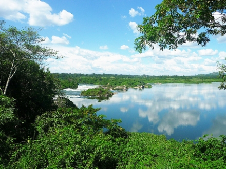 The serenity of River Nile in Jinja, Uganda: Home to a large number of 'election tourists' from Kenya.